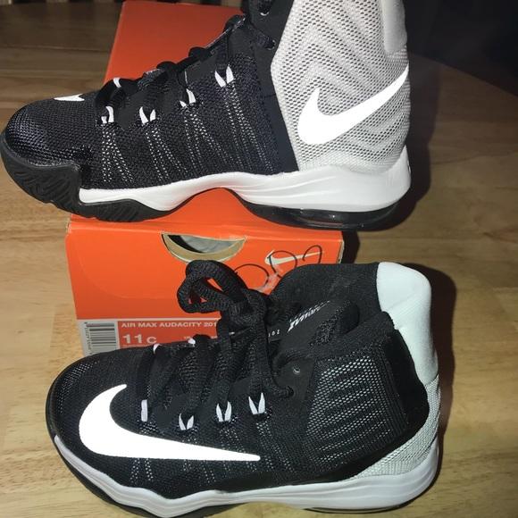 866787e5b3d0 Nike AirMax Audacity 2016 BB Shoes NEW
